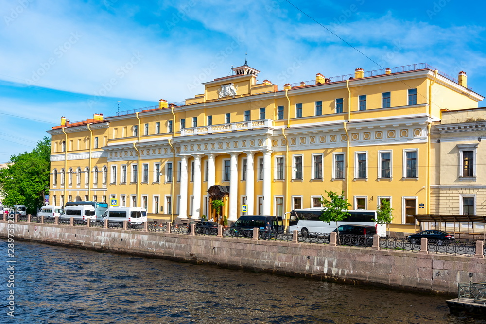 Fototapety, obrazy: Yusupov palace on Moika river, St. Petersburg, Russia