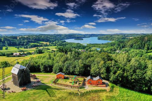 Kaszuby-widok z Ręboszewa na jezioro Wielkie Brodno