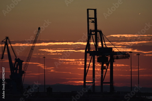 cantiere del porto al tramonto Wallpaper Mural