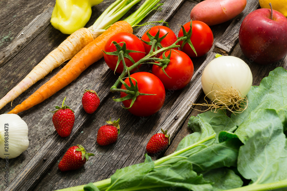 Fototapety, obrazy: fresh fruits and vegetables on old weathered wooden