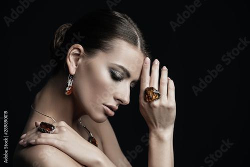 Slika na platnu set of amber jewelry