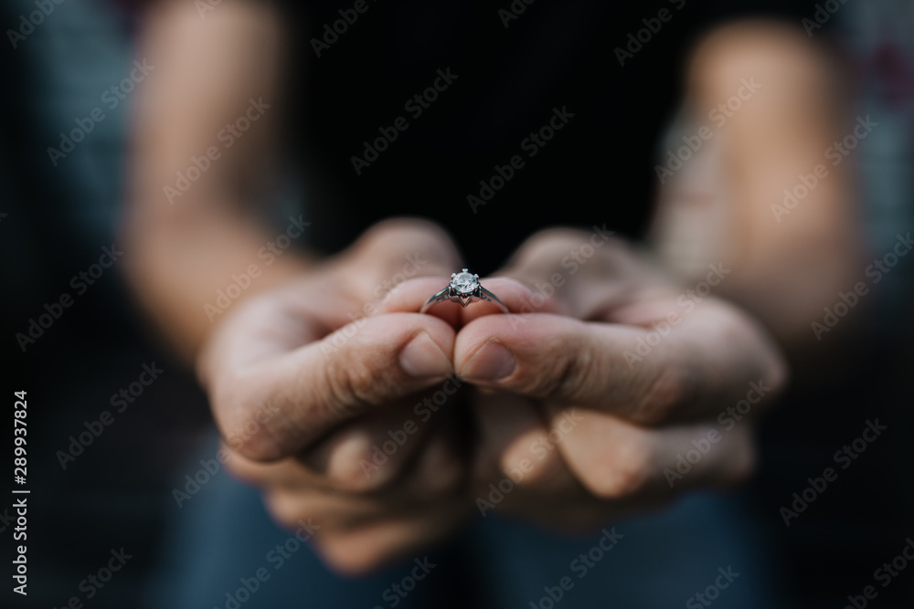 Fototapety, obrazy: Man proposing with the engagement diamond ring