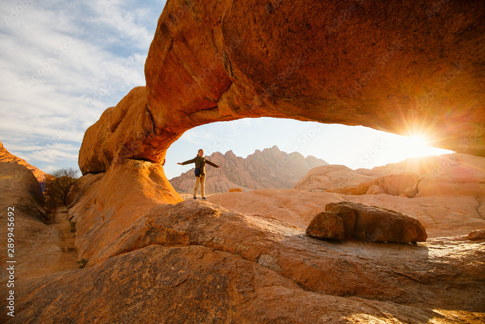 Fototapety, obrazy: Young girl hiking in Spitzkoppe Namibia
