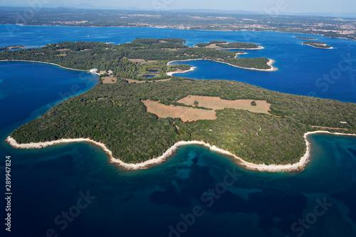 Fotografía Aerial scene of coast in Brijuni National Park