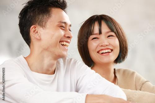 笑顔のカップル Fototapeta