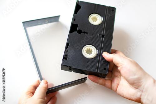 Fotografie, Obraz  ビデオテープを持つ