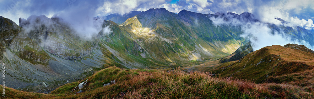 Fototapety, obrazy: Panorama of Carpathian mountains