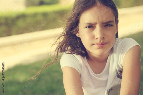 Fotografia  Outdoor close up portrait of teen 12 years old girl