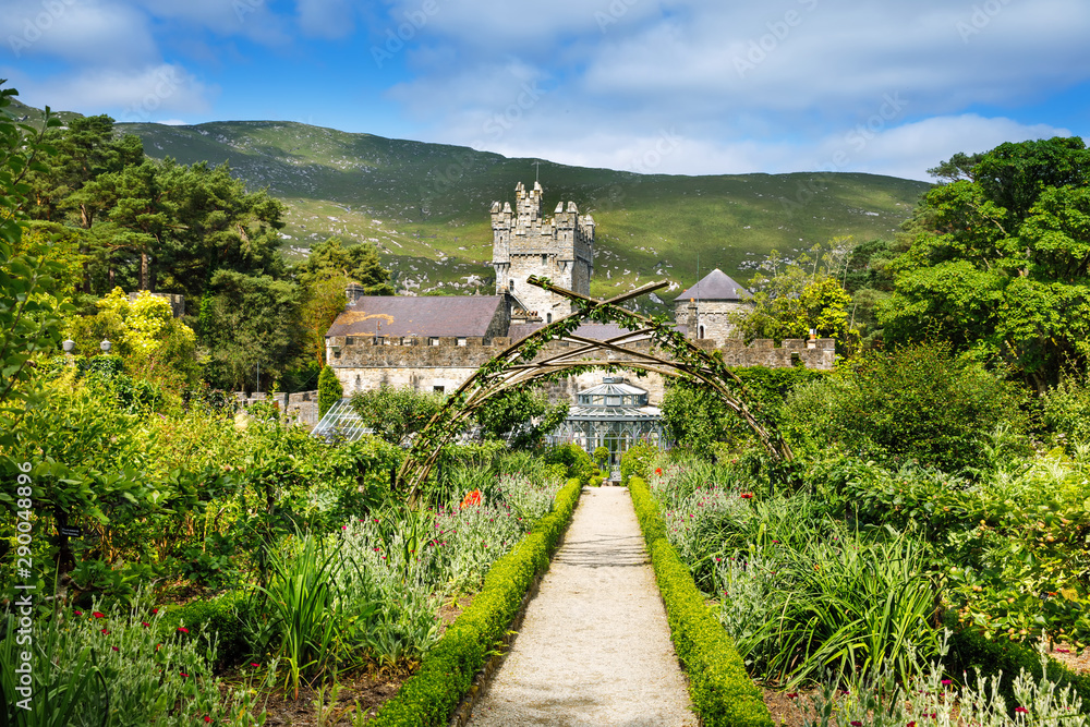 Fototapety, obrazy: Glenveagh Castle, Donegal in Northern Ireland. Beautiful park and garden in Glenveagh National Park, second largest park of the country. Gleann Bheatha in Irish language