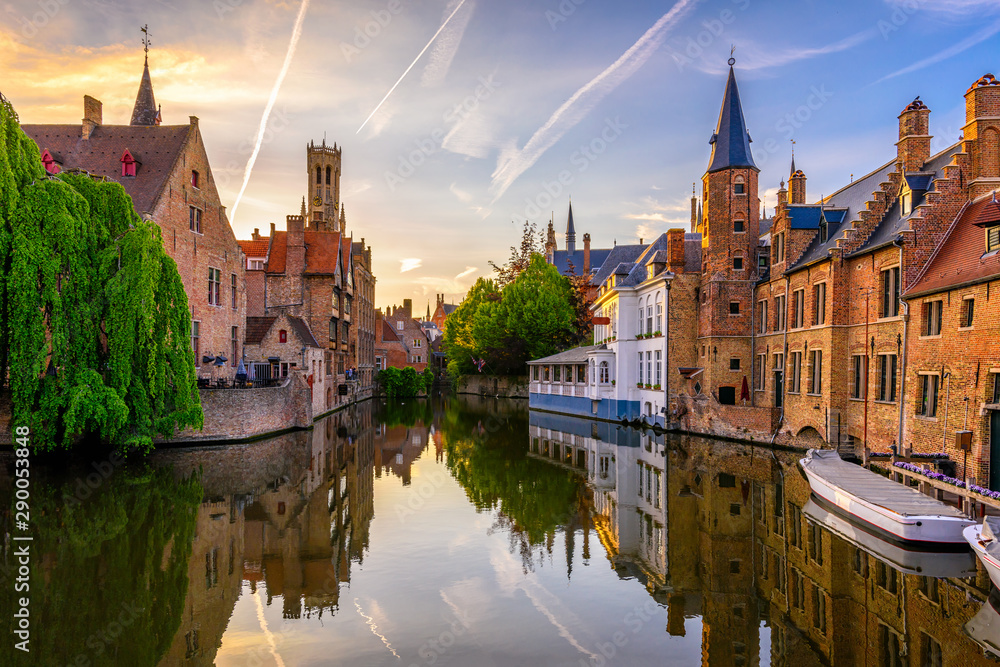 Fototapety, obrazy: Classic view of the historic city center of Bruges (Brugge), West Flanders province, Belgium. Sunset cityscape of Bruges. Canals of Brugge