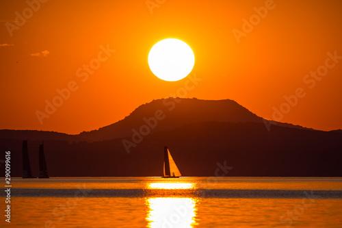 Balaton, Segelboot und Sonnenuntergang- Ungarn Canvas Print