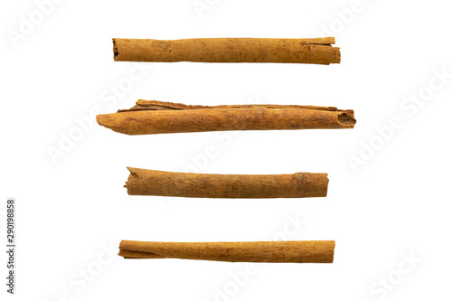 Fotografia  set of raw cinnamon sticks isolated on white background