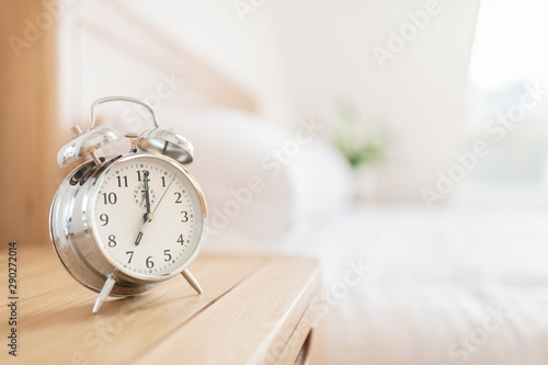 Fotomural  Alarm clock morning wake-up time