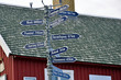 Wegweiser in Tasiilaq, Ostgrönland