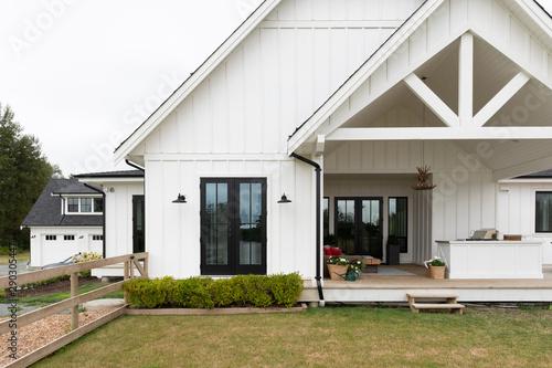 North American upscale suburban home Fototapet