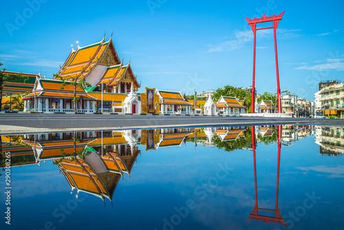 Pinturas sobre lienzo  wat suthat and giant swing at bangkok, thailand