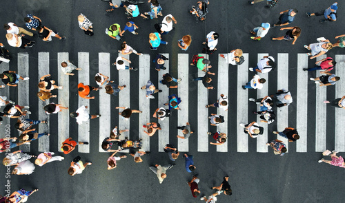 Aerial. Pedestrians on pedestrian crosswalk. Top view. Fototapete