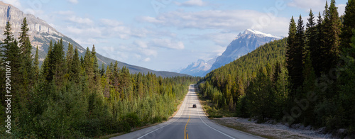 Autocollant pour porte Canada Panoramic View of a Scenic road in the Canadian Rockies during a vibrant sunny and cloudy summer morning. Taken in Icefields Parkway, Banff National Park, Alberta, Canada.