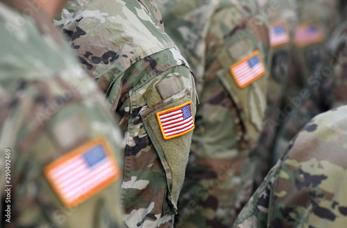 Cuadros en Lienzo American Soldiers and Flag of USA on soldiers arm