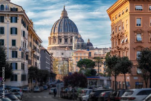 Türaufkleber Autos aus Kuba View of Vatican dome of Papal Basilica of St Peter in Vatican city