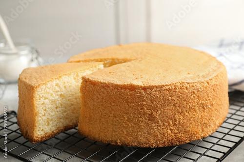 Valokuvatapetti Delicious fresh homemade cake on grey table