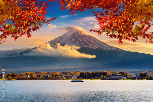 Canvas Prints Kyoto Fuji mountain and Kawaguchiko lake at sunset, Autumn seasons Fuji mountain at yamanachi in Japan.