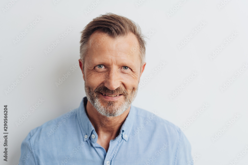 Fototapety, obrazy: Portrait of a cheerful smiling bearded man