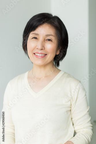 Obraz シニア女性 - fototapety do salonu