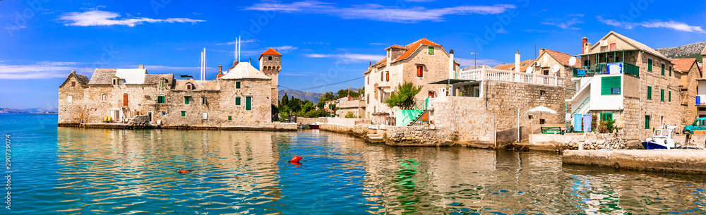 Fototapety, obrazy: Landmarks of Croatia: Kastel Gomilica - old sea castle and traditional fishing village in Kastela, central Dalmatia