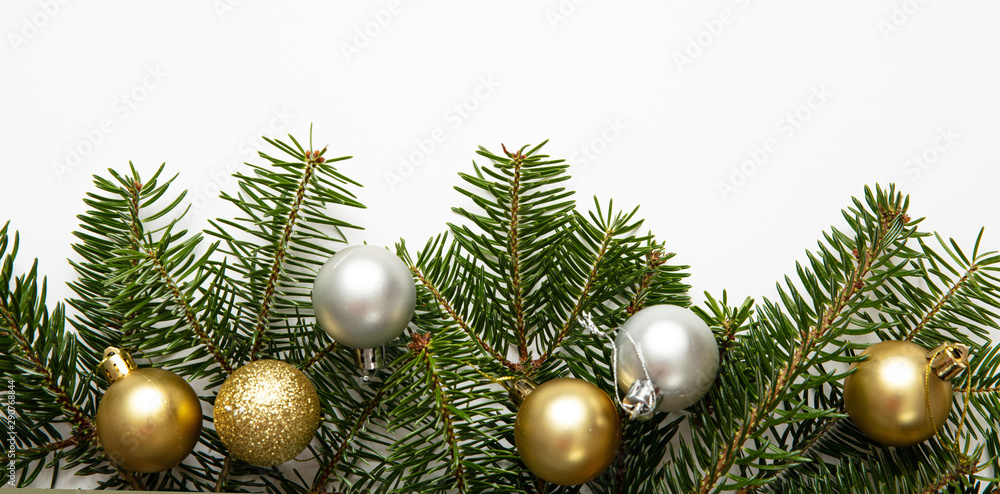Fototapety, obrazy: Fir twig and christmas baubles, white background