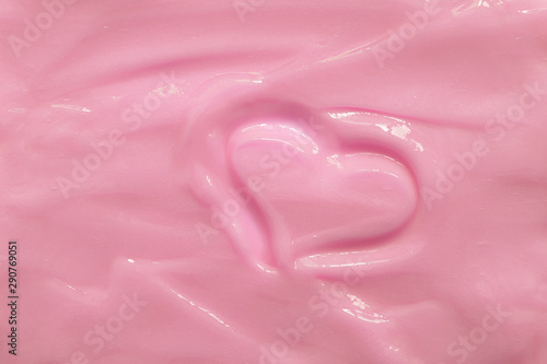 Cuadros en Lienzo Pink moisturizing cosmetic cream with a painted heart