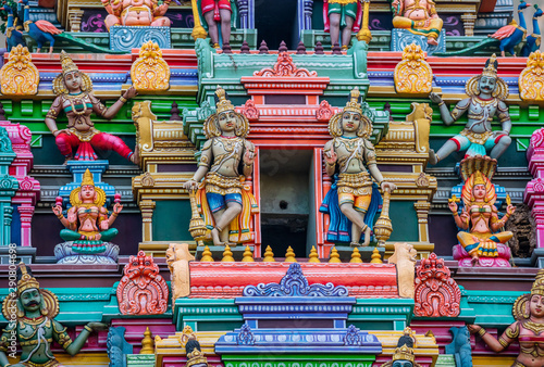 Photo sur Toile Amsterdam Beautiful statues in a Hindu temple