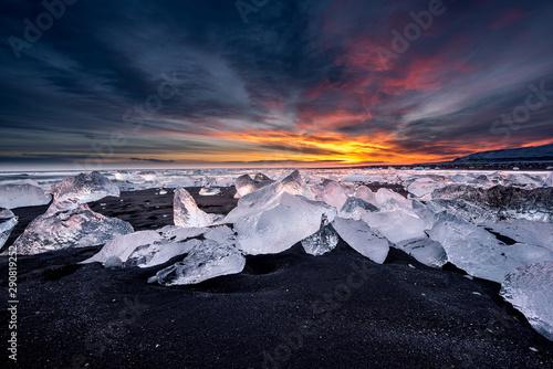 Foto auf Gartenposter Blaue Nacht Diamond Beach in Iceland