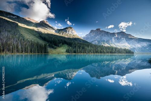Foto auf AluDibond Blau türkis Beautiful emerald lake, Yoho national park, British Columbia, Canada