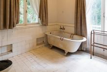 Old Style Bathroom With Bathtub
