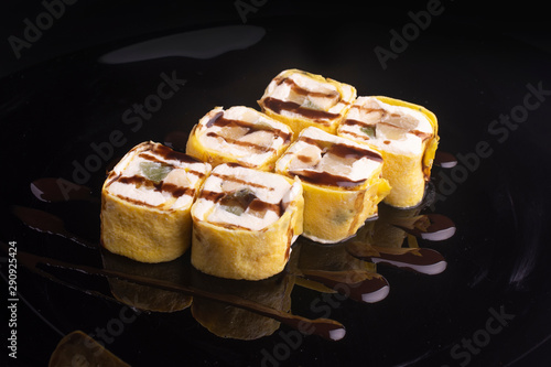 Fototapeta sweet rolls with cream and fruit obraz