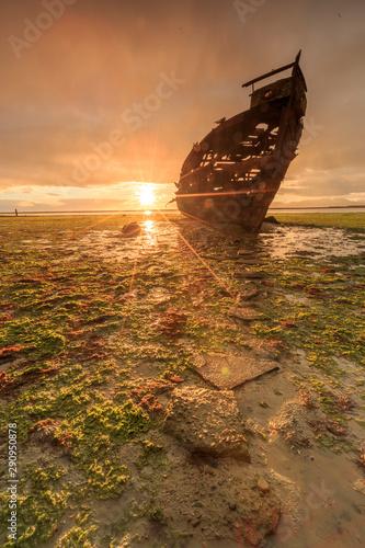 Canvas Prints Ship Sunrise at shipwreck South Island New Zealand