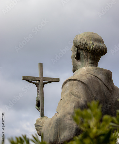 Foto op Plexiglas Historisch geb. statue of jesus on a cross