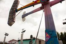 Pendulum Structure Swinging Ca...