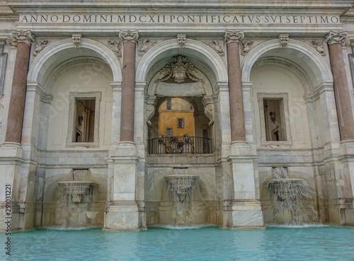Photo sur Toile Commemoratif Fountain in Rome