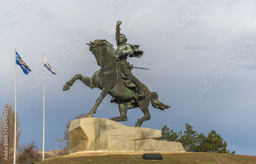 Spoed Foto op Canvas Historisch geb. Monument to Suvorov in Tiraspol, Moldova