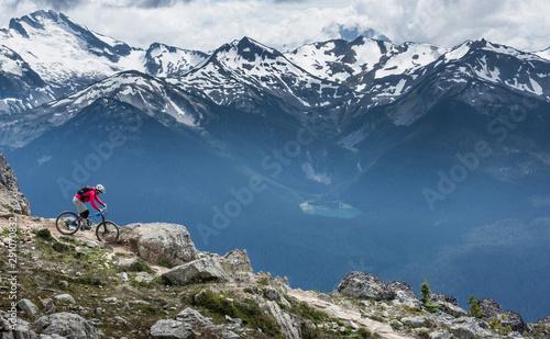 Cuadros en Lienzo  Beautiful landscape in Whistler BC, British Columbia, Canada.