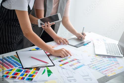 Fotografija  Team Fashion designer are designing the color of the clothes