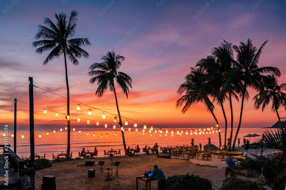 Fototapety, obrazy: Stunning sunset view with palm trees reflecting in swimming pool in luxury island resort in Thailand
