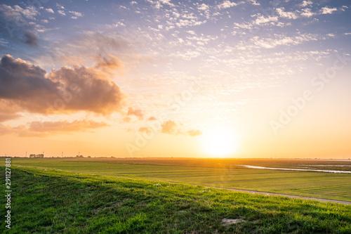Photo sur Aluminium La Mer du Nord Sonnenuntergang an der Nordesseküste