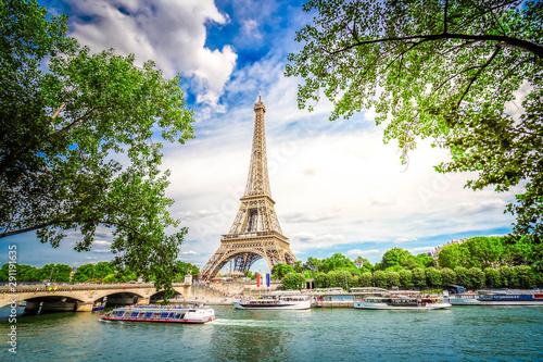 Fotografia  eiffel tour and Paris cityscape