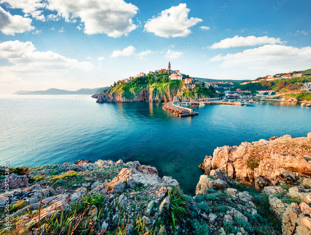 Fototapeta Exciting morning cityscape of Vrbnik town. Splendid summer seascape of Adriatic sea, Krk island, Kvarner bay archipelago, Croatia, Europe. Beautiful world of Mediterranean countries.