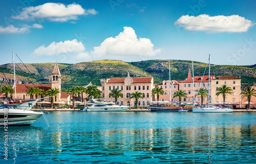 Foto auf AluDibond Schiff Splendid summer cityscape of Trogir town. Sunny morning seascape of Adriatic sea. Beautiful world of Mediterranean countries. Traveling concept background.