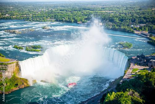 Niagara falls in the summer Fototapet
