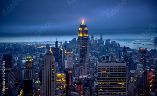 Photo Stands New York Newyork city at night, New York, United Staes of America